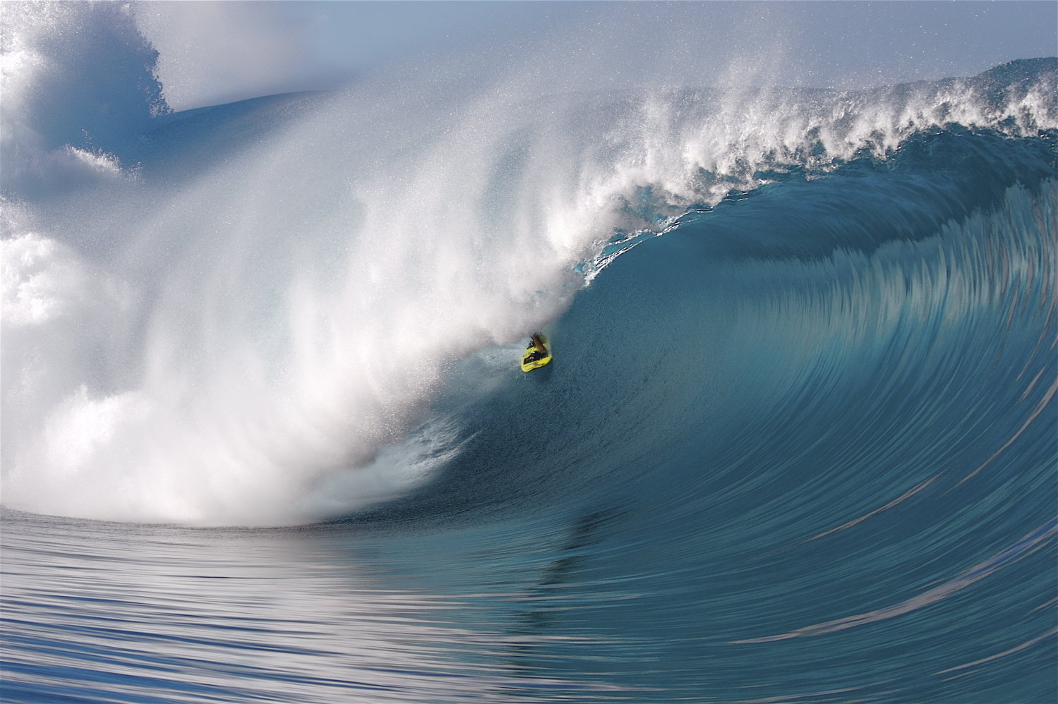 surfing big wave pictures